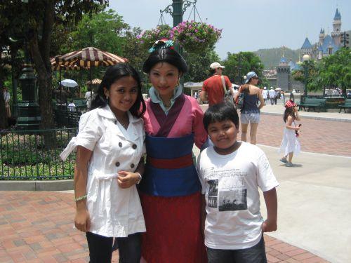 HK Disneyland Fantasyland Mulan