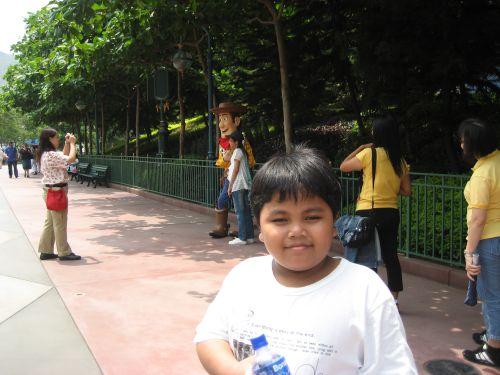 Hong Kong Disneyland Tomorrowland, Woody