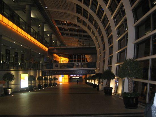 Hong-Kong-Airport-Going-to-Car-Park