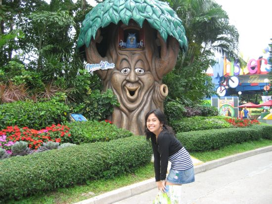 Ocean Park talking tree